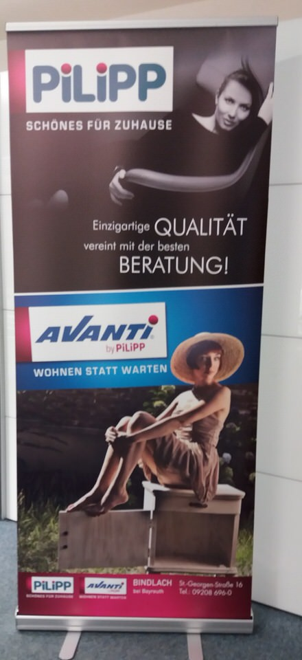 Roll Up Banner Mobiles Display Avanti